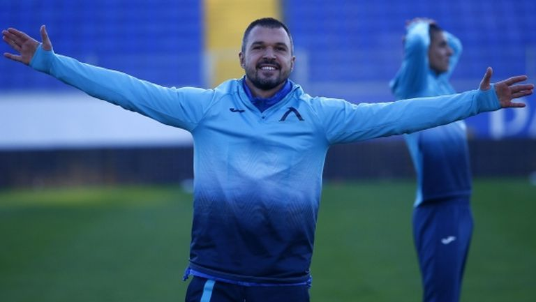 Божинов не спира да тренира дори по време на празниците (видео)