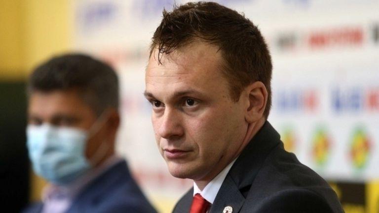 Добрин Гьонов: Футболистите минават на пълен работен ден за тяхно добро
