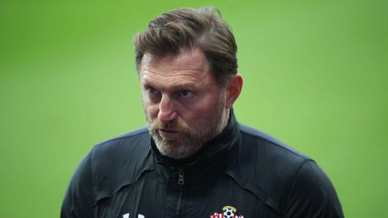 Саутхамптън без своя треньор срещу Уест Хам