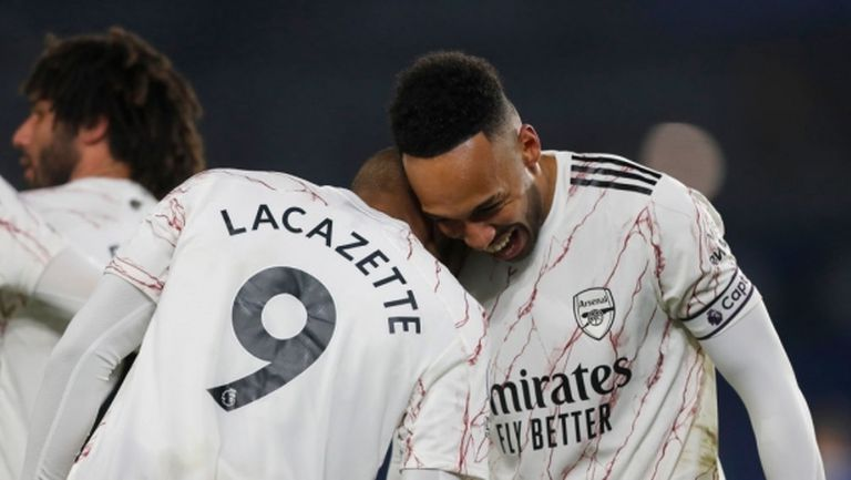 Арсенал проспа едно полувреме, но най-сетне пречупи Брайтън за втората си поредна победа (видео)