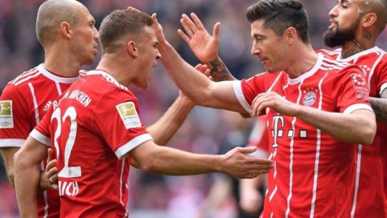 """Байерн отново се подигра с Хамбургер, успехи за Шалке и """"аспирините"""" в Бундеслигата"""