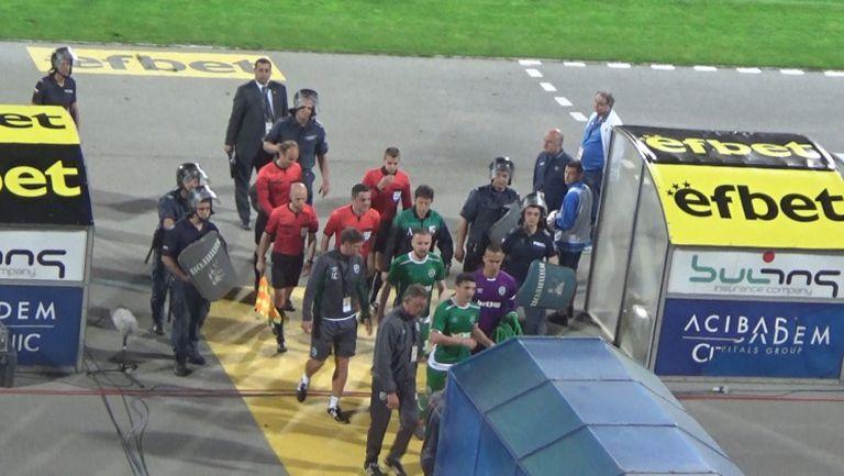 Освиркаха Попов след първото полувреме на дербито