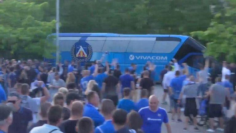 Играчите на Левски пристигнаха на стадиона за финала