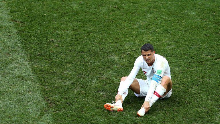 Симулира ли Роналдо за дузпа?