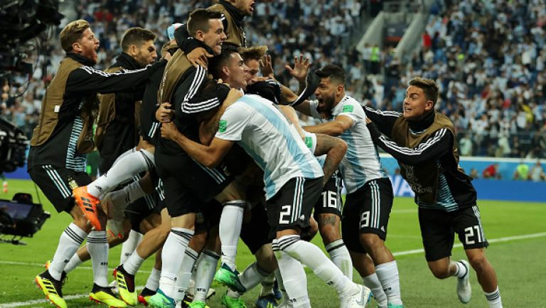 Меси, Марадона и Аржентина ликуват след успеха над Нигерия