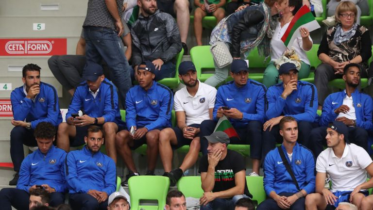 Футболистите на Левски изгледаха от трибуните победата на България над Исландия