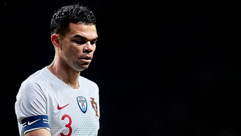 Пепе проби желязната защита на Уругвай и изравни резултата за Португалия