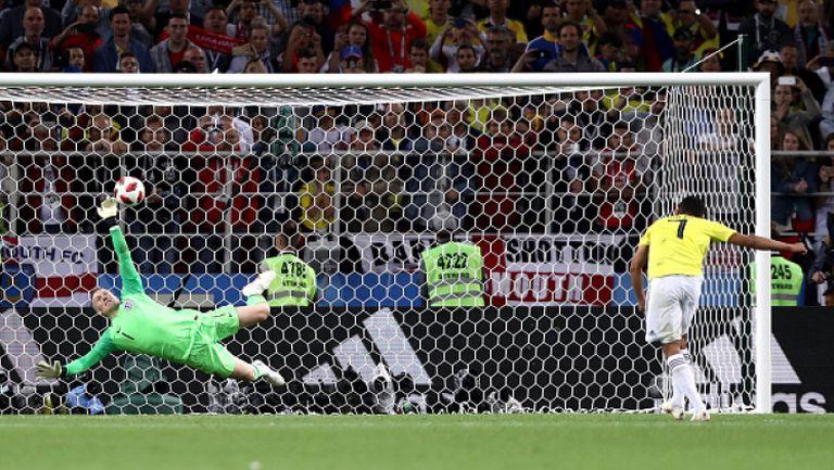 Брилянтното спасяване на Пикфорд, което даде шанс на Англия за триумф