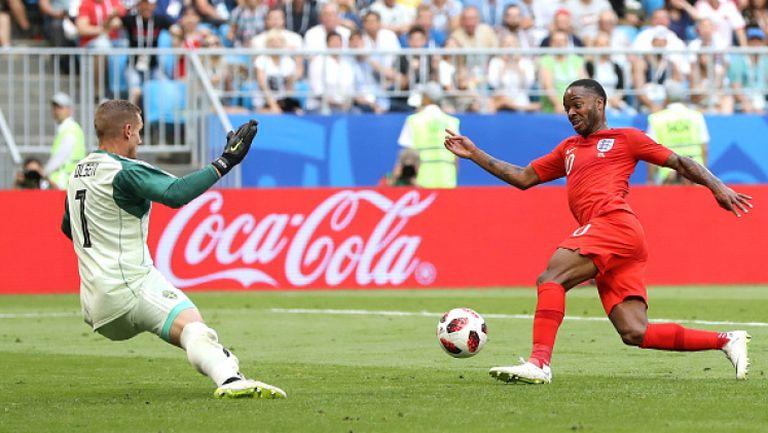 Непростим пропуск на Стърлинг лиши Англия от втори гол