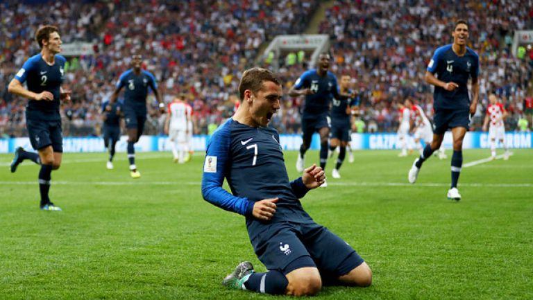 Имаше ли фаул срещу Гризман при гола на Франция?