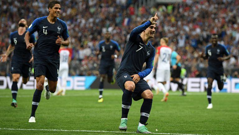 Много спорове, ВАР и дузпа за Франция за игра с ръка на Перишич