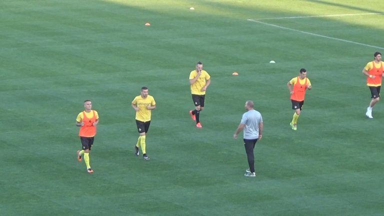 Ботев и Левски на терена преди първото дерби за сезона
