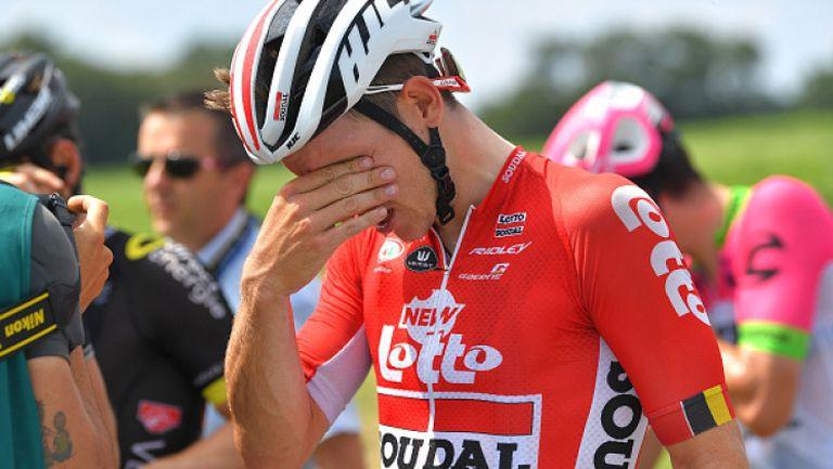 Лютив спрей и фермерски протест прекъснаха 16-я етап на Тур дьо Франс
