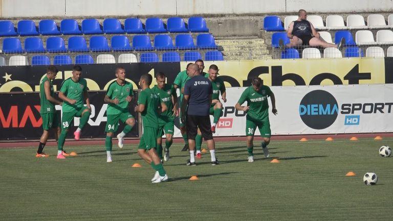 Ботев Враца е на терена преди мача с Левски