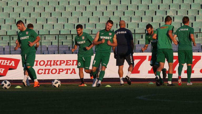 Септември и Ботев (Вр) са готови да затворят гръга в Първа лига
