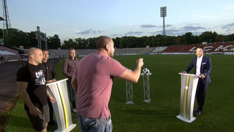Фенове на ЦСКА-София нахлуха със заплахи в откритото студио на БНТ