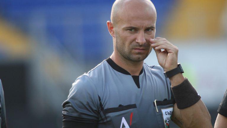 Петър Костадинов ще ръководи Левски - Септември