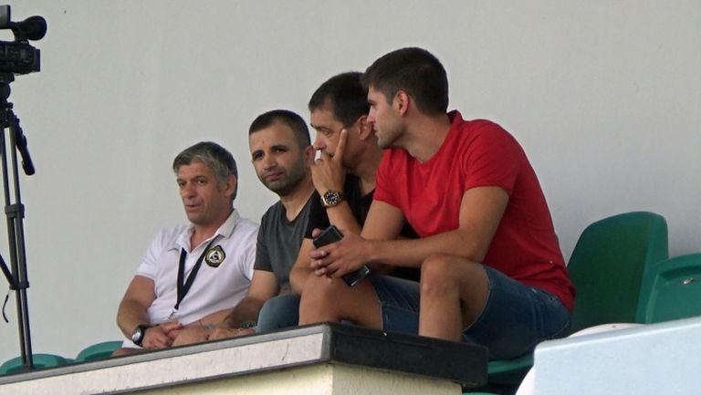 Хубчев, Костадинов, Венци Стефанов и Майкъла сред зрителите на Славия - Лудогорец