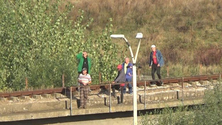 Креативни фенове гледат Ботев Враца - Лудогорец без билет