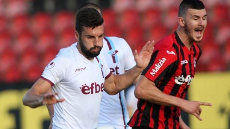 Септември отстрани Локо (София) в мач с пет гола и две дузпи