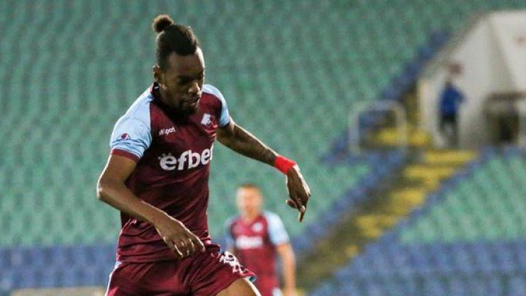 Крис Гади отбеляза четвъртия си гол за сезона и намали аванса на Ботев (Враца)