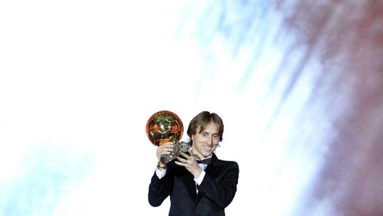 """Модрич спечели """"Златната топка"""" и прекрати 10-годишната доминация на Роналдо и Меси"""