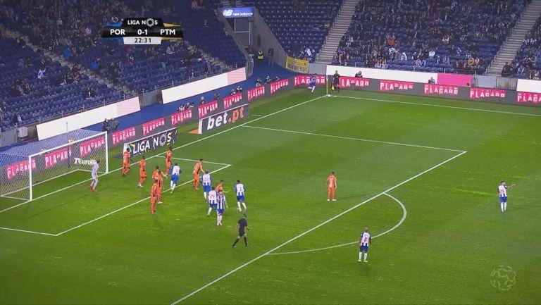 Порто вкара 4 на Портимонезе и остава 5 точки начело в Португалия
