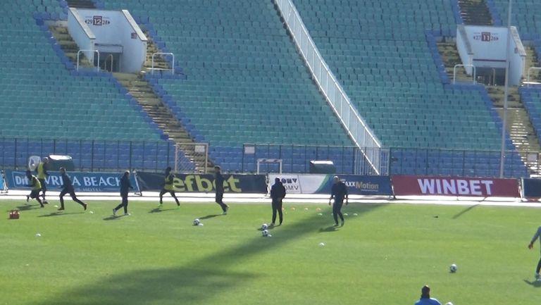 Футболистите на Септември тренират преди срещата с Дунав