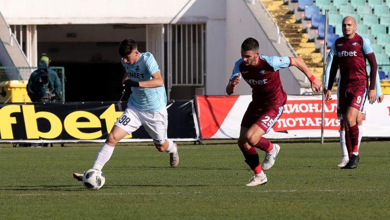 Крис Гади вкара втори гол и Септември поведе на Дунав