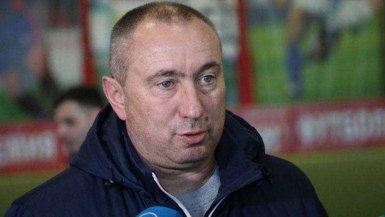 Мъри Стоилов: Левски трябва да се стабилизира финансово, а след това и отбора
