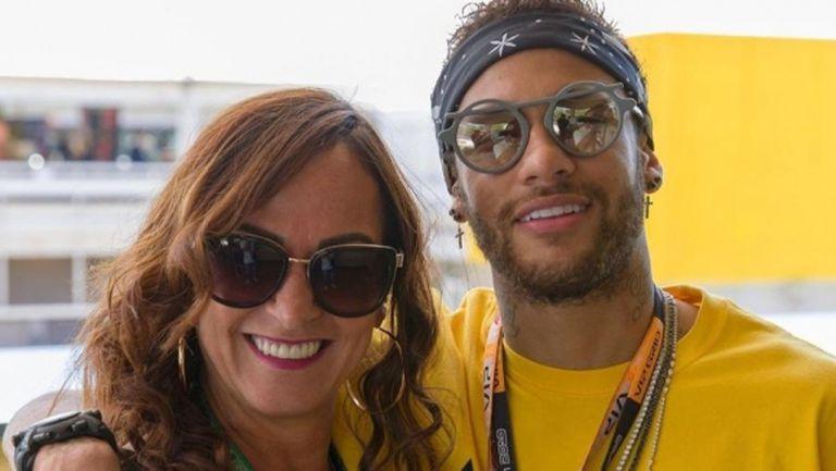 Майката на Неймар е в Барселона, търсят му къща