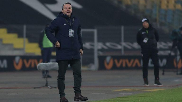 В Естония разкриха елементарен номер на Славиша Стоянович да се измъкне от Левски