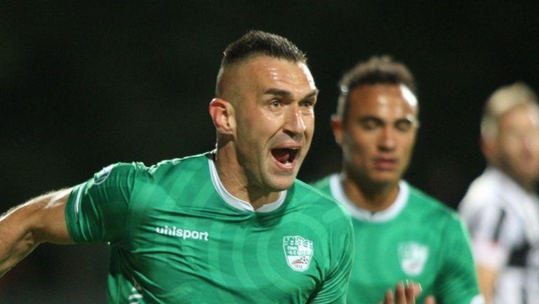 Легендата Камбуров най-добър нападател в Първа лига