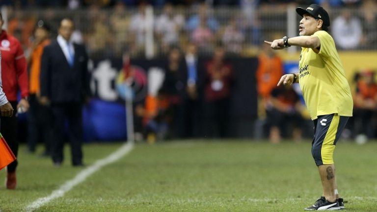 Марадона отново се усъмни в лидерството на Меси
