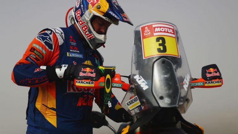 Със счупена ръка Тоби Прайс взе титлата на рали Дакар при моторите