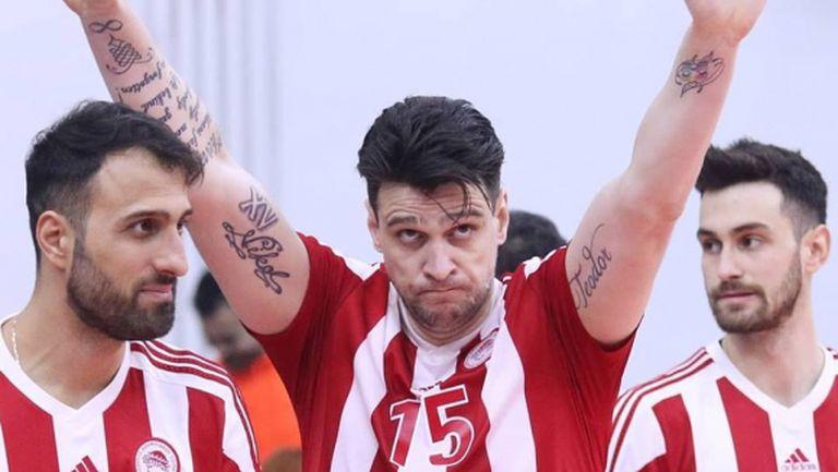 Фантастичен Тодор Алексиев заби 24 точки, Олимпиакос на 1/4-финал за Купата на CEV срещу Нефтохимик