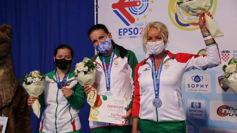Mинистър Kузманов поздрави медалистките от Европейското по спортна стрелба