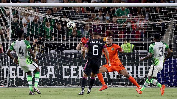 Мексико разгроми Нигерия с 4:0 в контрола