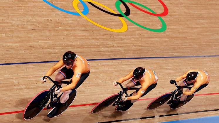 Двама холандци поставиха олимпийски рекорд в индивидуалния спринт