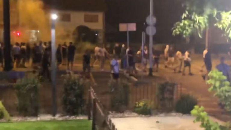 Хулигани на Динамо и Легия се биха в Загреб, потрошиха пет ресторанта
