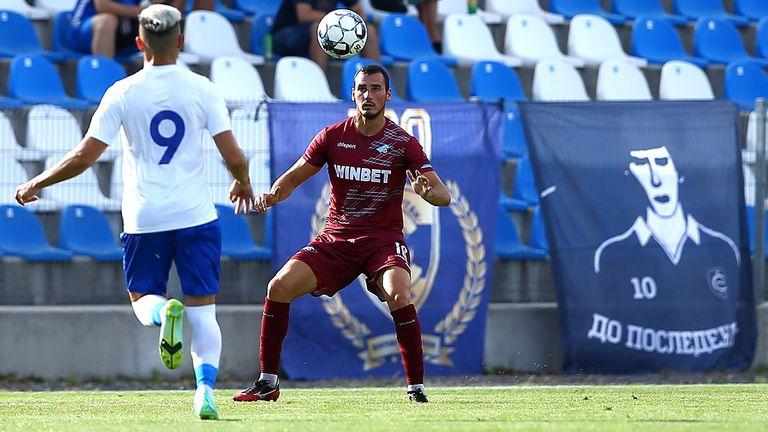 Втора лига на живо: Лудогорец II води в Созопол, почнаха мачовете в Пловдив и Монтана