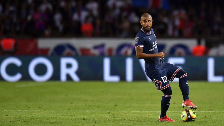 Пари Сен Жермен не включи трима играчи в картотеката за Шампионската лига