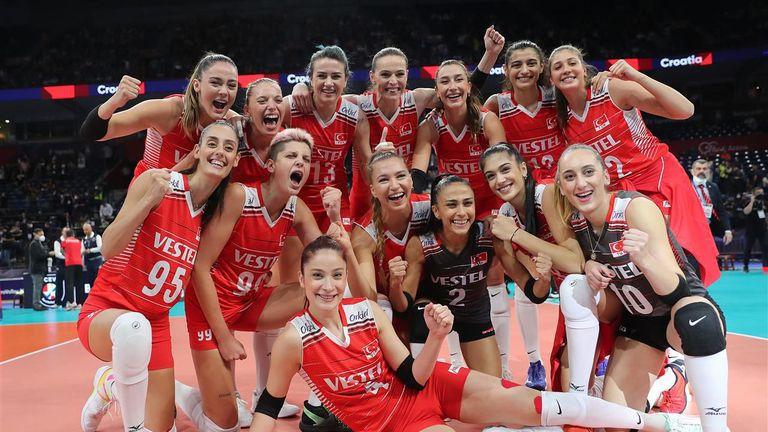 Турция срази Нидерландия и грабна бронзовите медали на Евро 2021 🏐