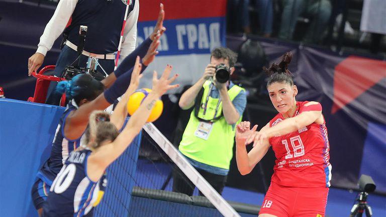 Финал на Евроволей 2021 за жени: Сърбия - Италия 1:3