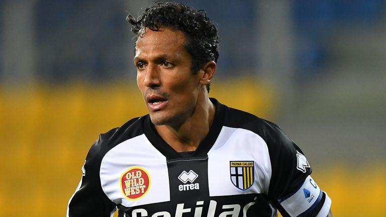 Два клуба проявяват интерес към капитана на Парма