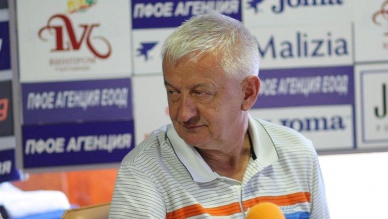 Крушарски защити Михайлов и попита: Знаете ли кога ще имаме пак човек в УЕФА?