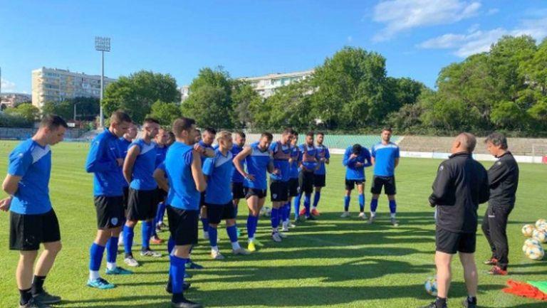 Трима играчи на Черно море пропускат гостуването срещу Берое