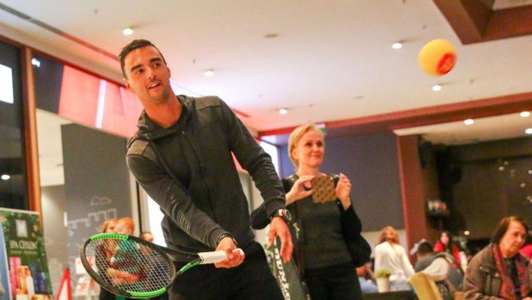 Кузманов поигра тенис с малчугани (видео + галерия)