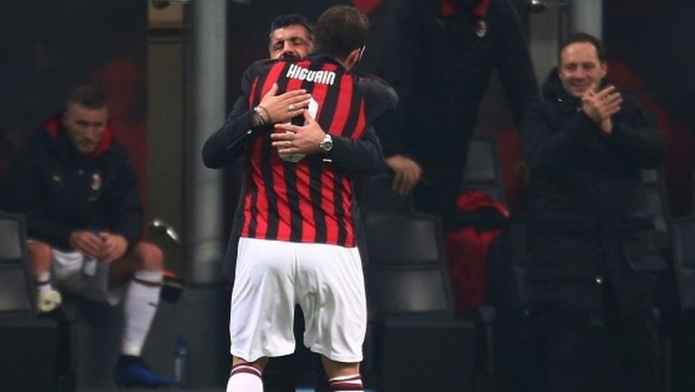 Звездите на Милан посветиха победата над СПАЛ на Гатузо