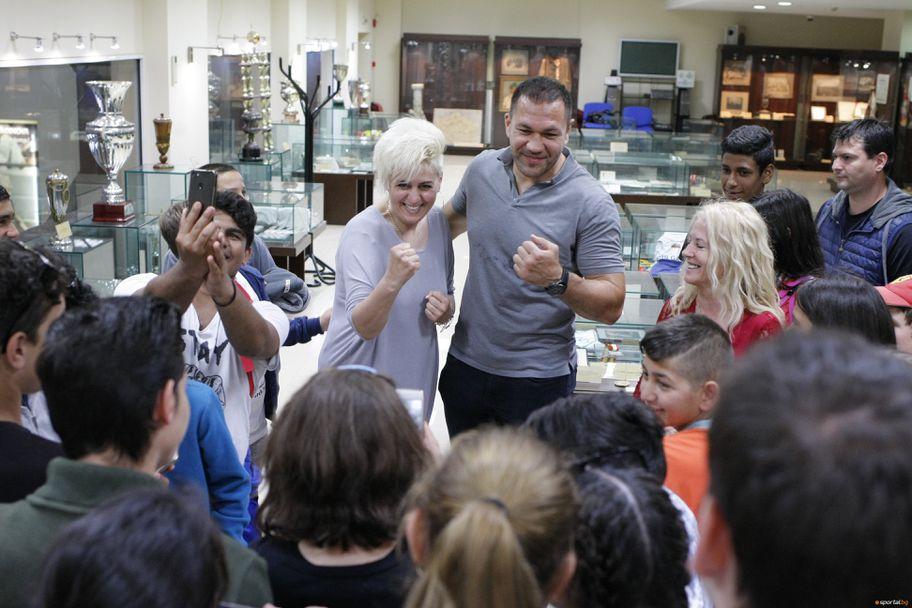 Кубрат Пулев се срещна с деца с увреден слух в Музея на спорт